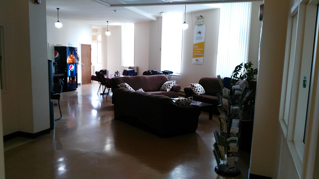 Photo of a common room at Maison Cross Roads in Montreal, Quebec