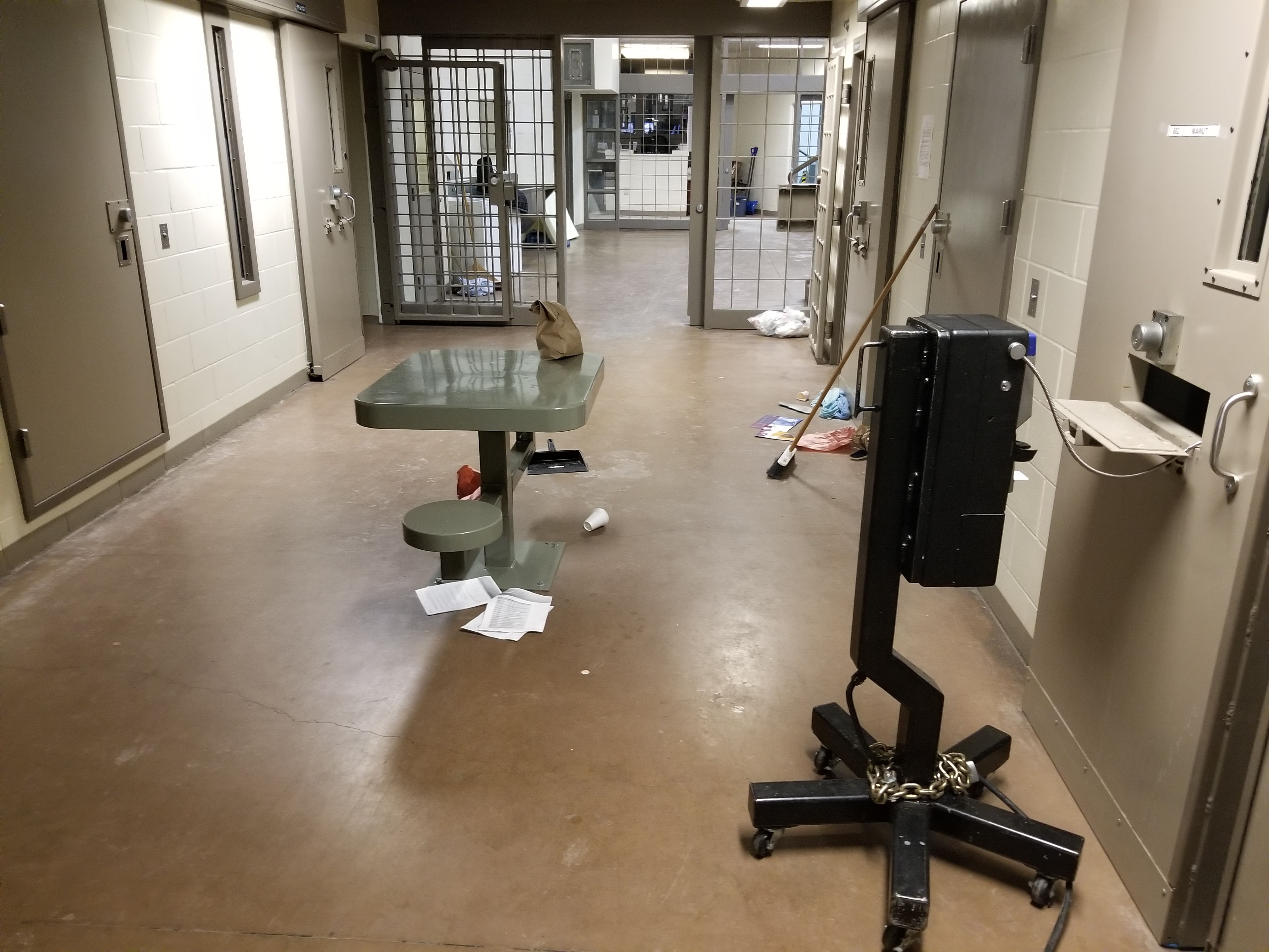 Photo of an occupied cell in the SIU at Kent Institution
